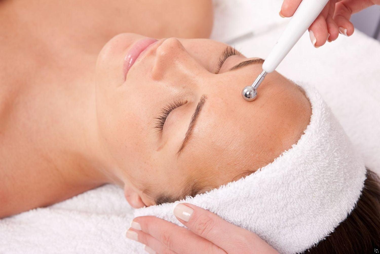 Процедура ручной чистки лица